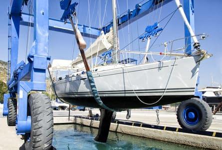 Comment préparer son bateau à sortir de flotte ?